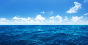 Rüyada Mavi Denizde Yüzmek