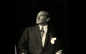 Rüyada Atatürk Resmi Bayrak Görmek
