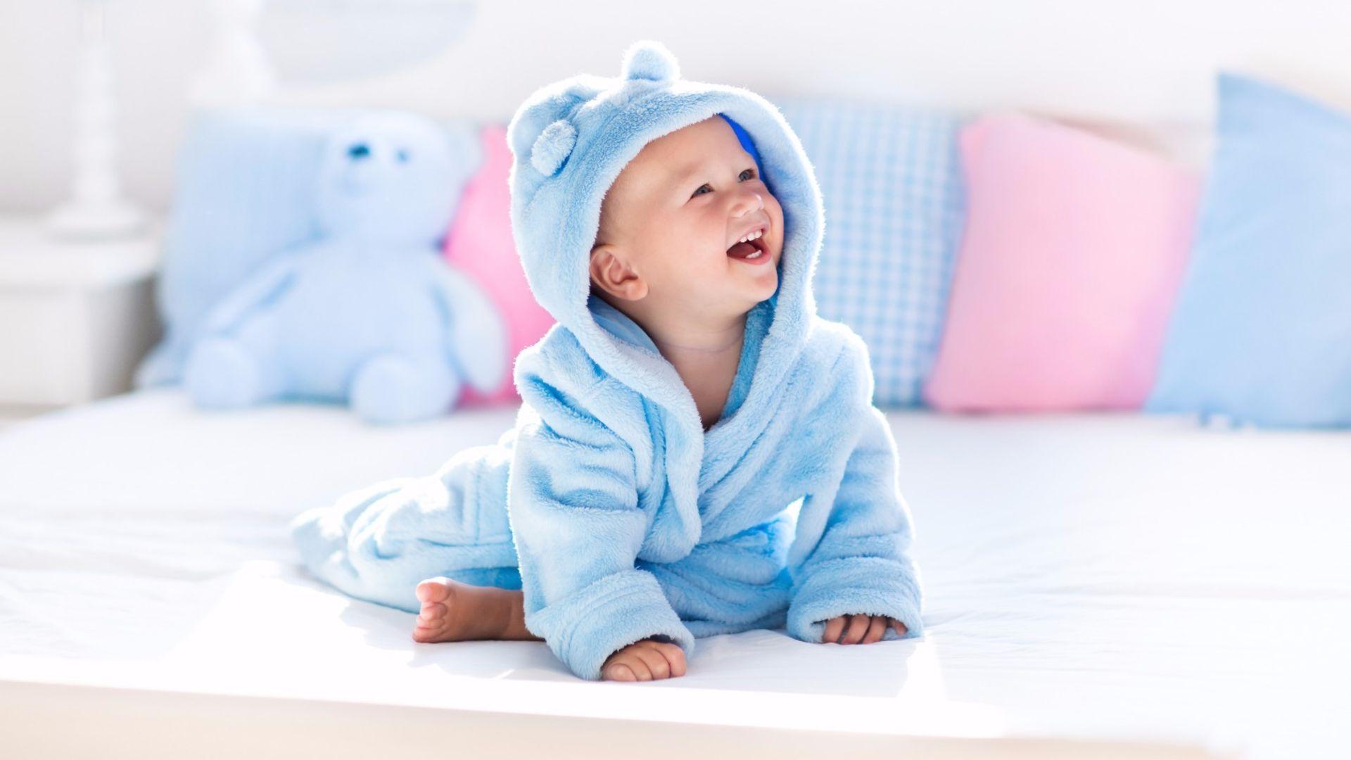 Rüyada Bebeğin Diş Çıkardığını Güldüğünü Görmek