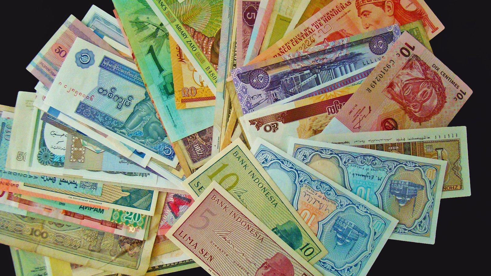 Rüyada Birine Kağıt Para Dolar Verdiğini Görmek