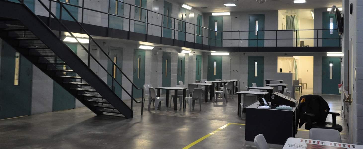 Rüyada Hapiste Olan Yabancı Birini Dışarda Görmek