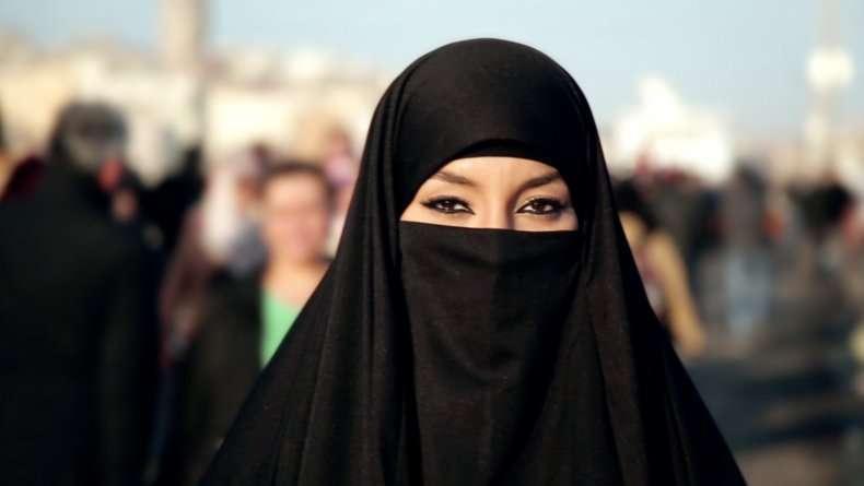 Rüyada Siyah Çarşaf Giydiğini Güzelleştiğini Görmek