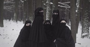 Rüyada Siyah Çarşaf Giyen Kadın Görmek