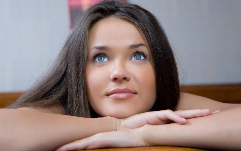 Rüyada Mavi Gözlü Kadın Görmek