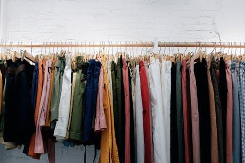 Rüyada Pazardan Kıyafet Satın Almak