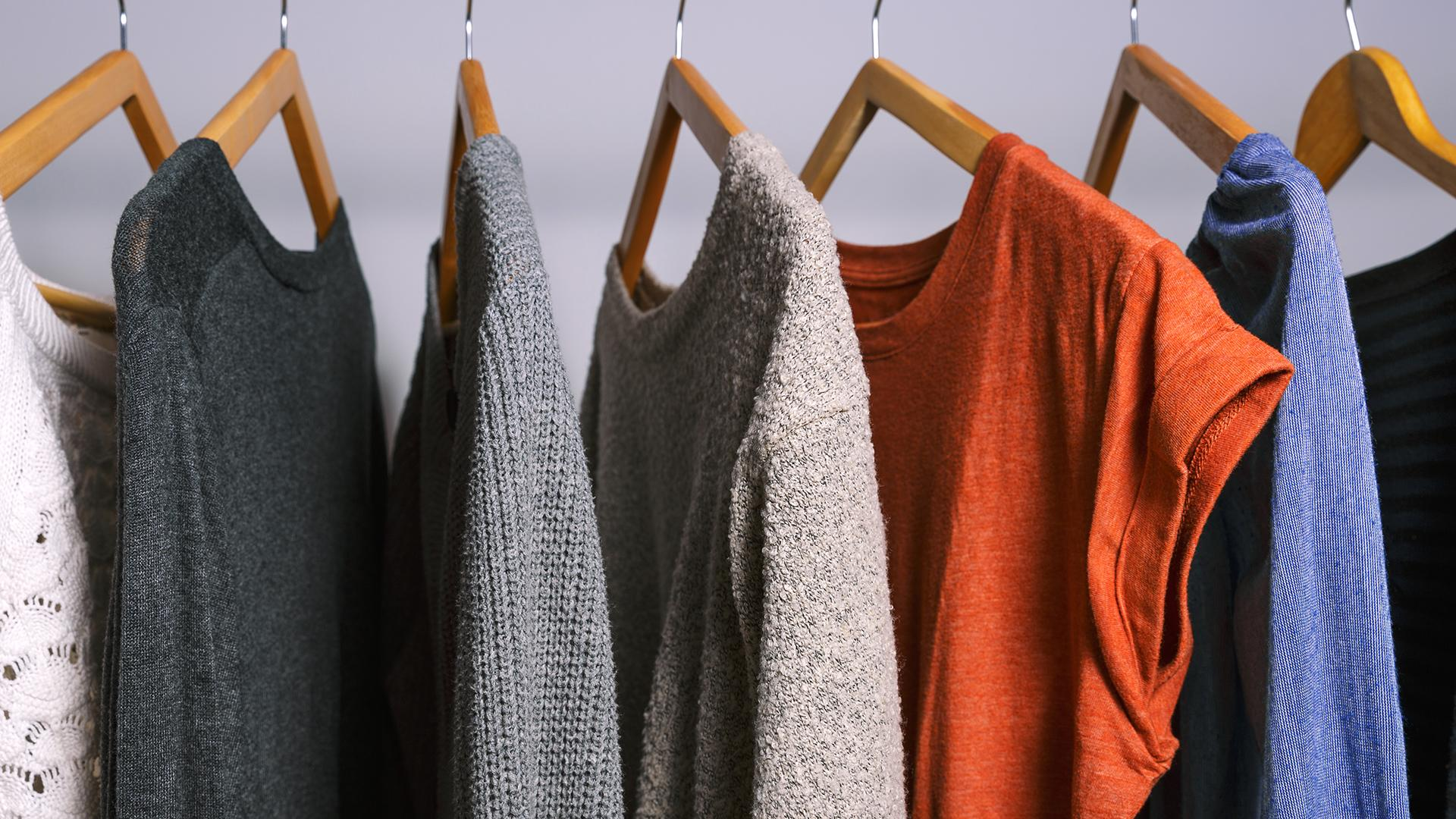 Rüyada Kıyafet Satın Almak ve Giymek