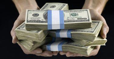 Rüyada Tanıdık Birine Kağıt Para Vermek