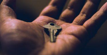 Rüyada Elinde Anahtar Görmek