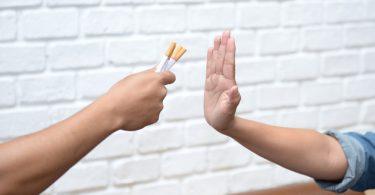 Rüyada Birine Sigara Vermek