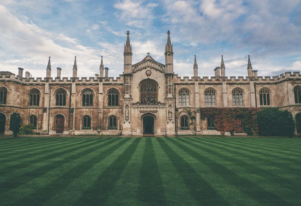 Rüyada İyi Üniversiteyi Sonunda Kazandığını Listede Görmek