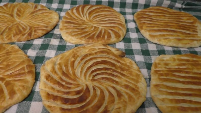Rüyada Yağlı Ekmek Yemek